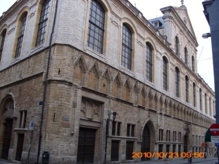 Leuven 014 - hallen.JPG